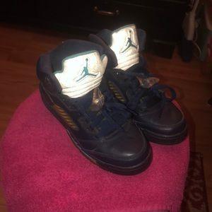 """Jordan 5's """"HORNETS"""" Size 5.5"""